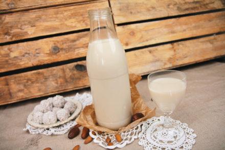 Mandelmilch selber machen - vegan und lactosefrei