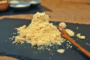 Cashew-Parmesan Rezept - Veganer-Käse - kohlundkarma