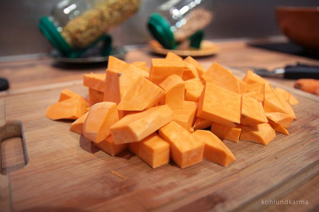 Linsen Süßkartoffel Eintopf Süßkartoffel geschnitten | kohlundkarma