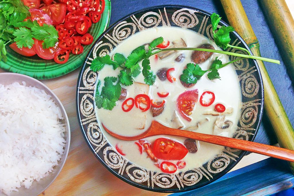 Tom Kha Gai mit Tofu - vegan | kohlundkarma