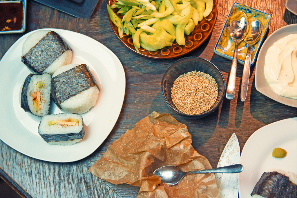 Onigiri Rezept mit Füllung vegan - kohlundkarma