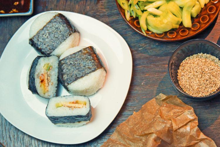 Onigiri Rezept mit Füllung - vegan